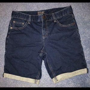 Justice dark jean shorts. Size 16 plus